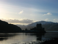 eilean_donan_castle_in_the_morning